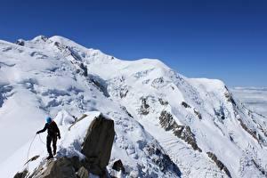 Обои Гора Альпинизм Скале Снегу Альпинист Спорт