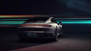 Картинка Порше Вид сзади 911 Carrera 4S 2019 машина