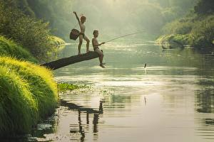 Картинка Река Азиаты Рыбалка Утро Рыбы Двое Мальчишка Дети