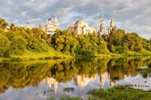 Обои Речка Церковь Россия Torzhok, Tver region, Tvertsa river
