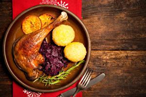 Картинки Курица запеченная Картошка Доски Тарелка Еда