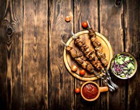 Обои Шашлык Салаты Томаты Доски Разделочная доска Кетчуп Пища