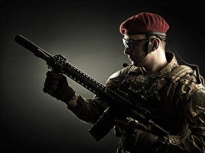 Фото Солдат Автоматы Очках Униформа Армия