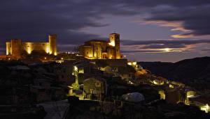 Обои Испания Дома Крепость Холмы Ночь Cornago Города картинки