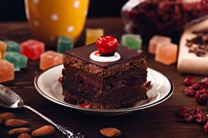 Картинка Сладкая еда Пирожное Шоколад Тарелка Продукты питания