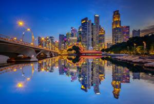 Фотографии Штаты Здания Речка Мосты Вечер Чикаго город Отражение Уличные фонари Города