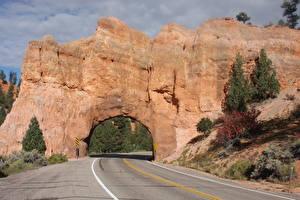 Обои для рабочего стола США Дороги Асфальт Утес Арка Red Arch Road, Utah Природа