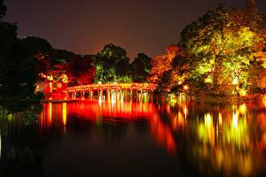 Обои Вьетнам Парки Речка Мосты Осень Деревья Ночные Hanoi