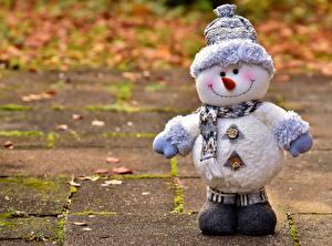 Картинка Осенние Снеговики Шапки Шарф Улыбка