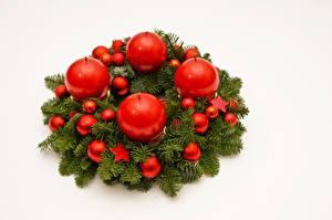 Фотография Рождество Свечи Белый фон Ветки Шар Звездочки
