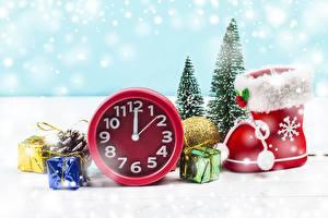 Обои Рождество Часы Сапоги
