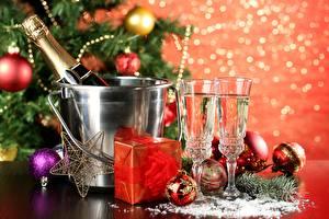 Фотография Рождество Праздники Игристое вино Шар Бутылка Звездочки Бокалы