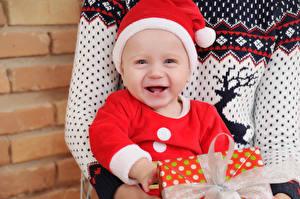 Картинка Новый год Младенец В шапке Счастье Дети