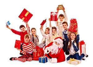 Фотография Новый год Много Белый фон Мальчики Девочки Дед Мороз Подарки Ребёнок