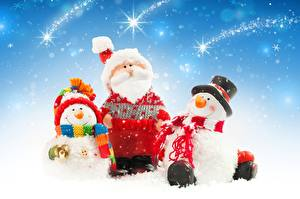 Фото Рождество Снеговики Втроем Санта-Клаус Шапки Борода Шляпа Шарф