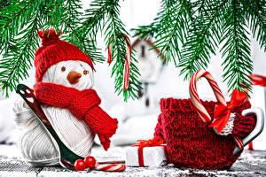 Обои Рождество Снеговика Шапка Шарф Чашка Подарки Бант