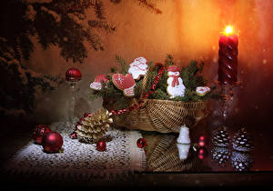 Картинка Рождество Натюрморт Свечи Печенье Корзина Ветвь Шишки Дизайн Снеговики Шар Пища