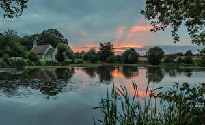Фото Англия Озеро Рассветы и закаты Здания Hartley Mauditt Hampshire Природа
