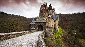 Картинки Германия Замки Осень Дороги ELTZ Castle, Rhineland-Palatinate Города