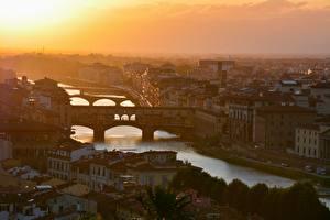 Картинки Италия Флоренция Рассветы и закаты Речка Мосты Дома Arno river Города
