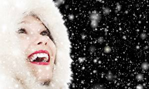 Фотография Губы Капюшон Красные губы Зубы Счастливые Снежинки Девушки