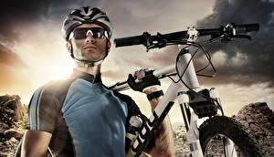 Фото Мужчины Шлем Очки Велосипед Униформа