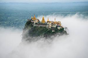 Обои Монастырь Утес Туман Taung Kalat, Myanmar
