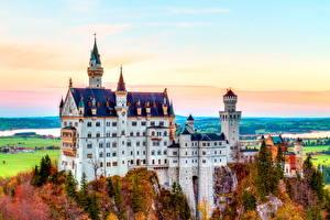 Фотография Нойшванштайн Осень Германия Замок Бавария Скала Города