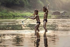 Обои Речка Рыбы Азиаты Ловля рыбы 2 Мальчики Ребёнок