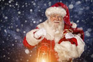 Картинки Дед Мороз Лампа В шапке Очков Бородатый Улыбается
