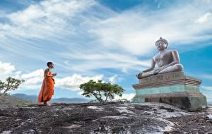 Картинка Скульптуры Азиаты Религия Будда Униформа monk Дети