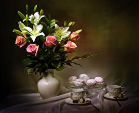 Картинки Натюрморт Букеты Розы Лилии Зефир Ваза Чашке Бутон цветок Еда