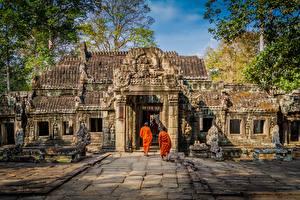 Картинки Храмы Азиаты Angkor Wat, Angkor, Cambodia, monk