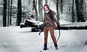 Обои Зимние Лучники Воители Rise of the Tomb Raider Снег Косплей Лара Крофт молодые женщины