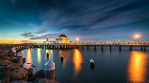 Фотографии Австралия Мельбурн Вечер Пристань Камни Залив Уличные фонари Kilda West Природа