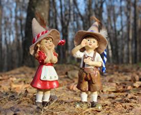 Фотография Осенние Перья Кукла Двое Мальчики Девочки Шляпа Листья