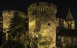 Фотографии Крепость Белград Сербия Ночь