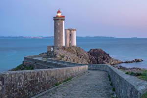 Картинки Франция Маяки Дороги Забором Brest Природа