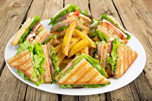 Обои Картофель фри Сэндвич Доски Тарелка Еда картинки
