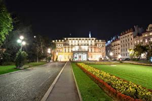 Фотографии Здания Сербия Ночь Уличные фонари Газон National Assembly Belgrade Города