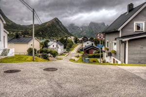 Фотографии Норвегия Здания Горы Улица Husoy Города