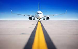 Обои Самолеты Пассажирские Самолеты Спереди Взлетает Авиация