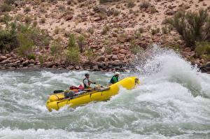 Обои Речка Лодки Мужчины Униформа Брызги Rafting