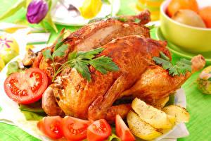 Обои Курица запеченная Томаты Картошка