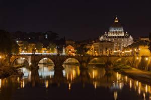 Фотографии Рим Италия Река Мост Собор Ночью Уличные фонари Отражении Tiber River, St. Peter's Basilica Города