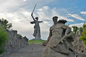 Картинка Россия Памятники Мужчины Волгоград The Motherland Calls, Mamayev Kurgan