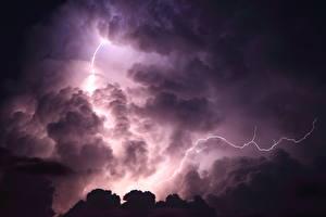 Картинки Небо Облака Ночные Молния Природа