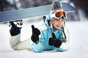 Обои Сноуборд Девочки Очки Шапки Варежки Улыбка Дети картинки