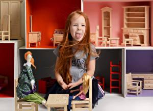 Обои Игрушки Девочки Язык (анатомия) Рыжая Дети картинки