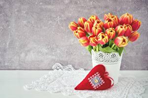 Обои День всех влюблённых Тюльпаны Сердце Цветы